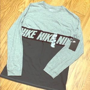 NWT boys Nike long sleeve tee